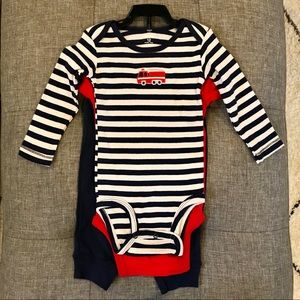 BRAND NEW Baby onesies and pant set